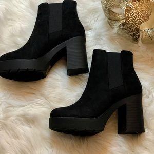 Black Thick Heel bootie